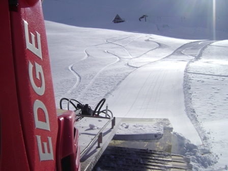 27-6-12 - The new groomer laying down some fresh corduroy.