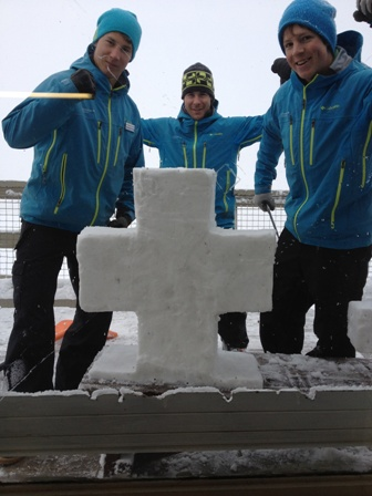Tjeerd, Jan & Ueli construct a Snow Swiss cross on Swiss National Day